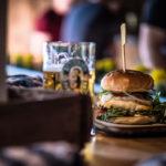 Triple Cheeseburger + frisch gezapftes Allgäuer Büble